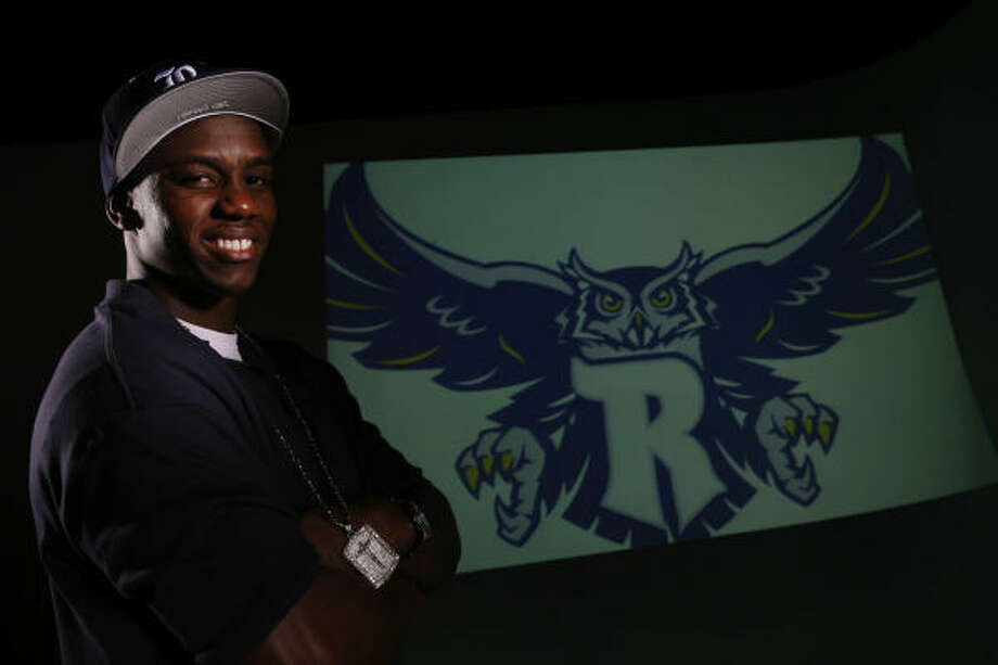 Alief Taylor graduate and Rice signee Cheta Ozougwu will play for the Texas All-Stars in the Bayou Bowl on Saturday. Photo: Mayra Beltran, Houston Chronicle
