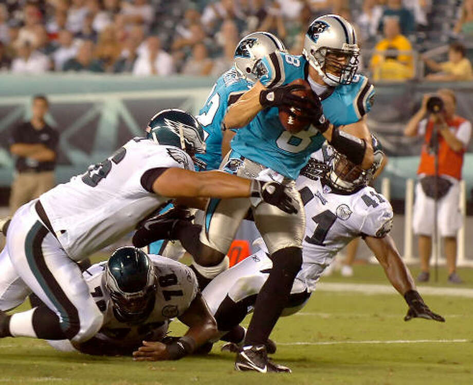 Former Texans QB David Carr scored the only touchdown for Carolina in its 27-10 loss at Philadelphia. Photo: JEFF SINER, MCT