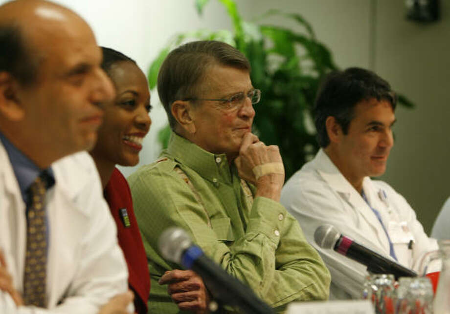 Former U.S. Rep. Charlie Wilson, D-Lufkin, is the focus of a news conference at The Methodist Hospital, where he was discharged 10 days after undergoing heart transplant surgery. Photo: James Nielsen, Chronicle