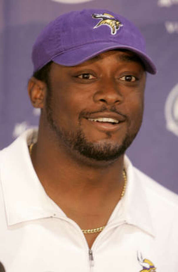 Vikings' defensive coordinator Mike Tomlin will be the next coach of the Pittsburgh Steelers. Photo: JIM MONE, AP