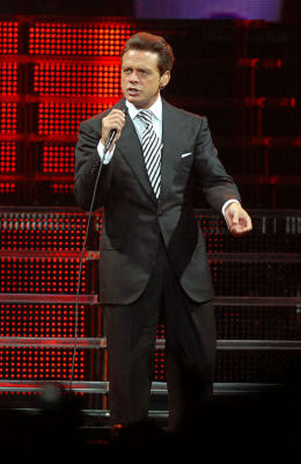 Luis Miguel performed at the Toyota Center Sunday. Photo: Dave Rossman, For The Chronicle