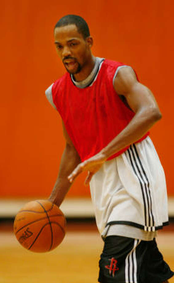 With five point guards showcasing their skills at Rockets training camp, there is no guarantee that Rafer Alston, the starter last year, will even be on the roster for the season opener. Photo: Kevin Fujii, Chronicle