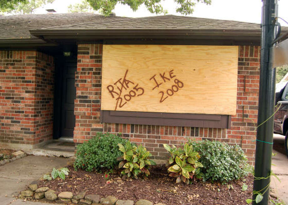 You can tell this board at Greg Pfohl's house in Friendswood has been used before. Photo: Wendy Rudnicki, For The Chronicle