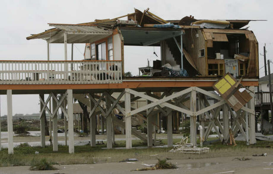 This structure was devastated by Hurricane Ike when its winds and storm surge blasted Surfside Beach. Photo: Julio Cortez, Chronicle