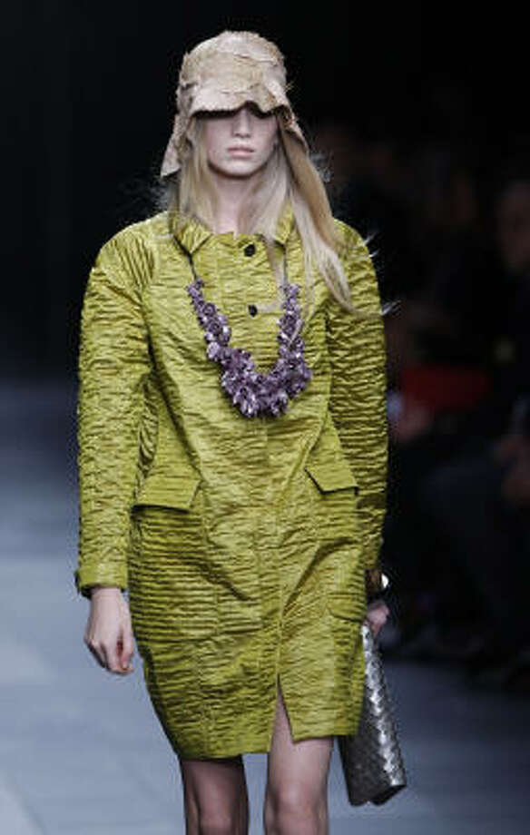 Burberry Prorsum runway show at the Spring/Summer 2009 collections for fashion week in Milan. Photo: LUCA BRUNO, AP