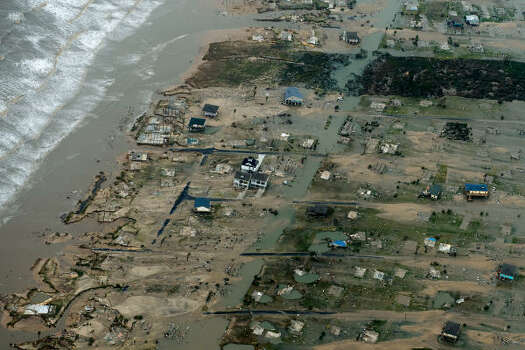 Damage after the passing of Hurricane Ike is seen  in Crystal Beach. Photo: Smiley N. Pool, Chronicle
