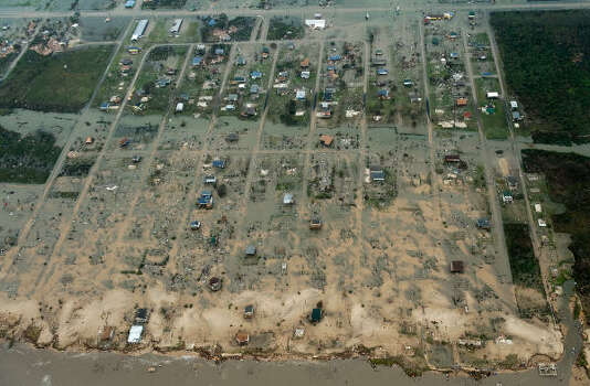 Damage after the passing of Hurricane Ike is seen Saturday in Crystal Beach. Photo: Smiley N. Pool, Chronicle