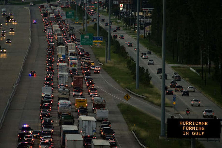 Traffic backs up on Interstate 45 northbound as residents evacuate the greater Houston area in anticipation of Hurricane Ike, Thursday, Sept. 11, 2008, in The Woodlands. Photo: Smiley N. Pool, Chronicle
