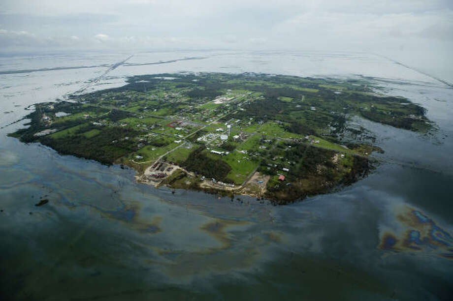 Water surrounds High Island after flooding caused by Hurricane Ike, Sunday, Sept. 14, 2008. Photo: Smiley N. Pool, Chronicle