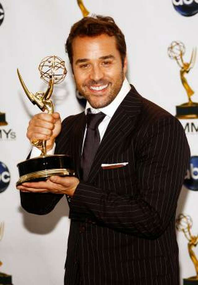Unconfirmed: Jeremy Piven's entourage may follow him around on his head.  Photo: Frazer Harrison, Getty Images