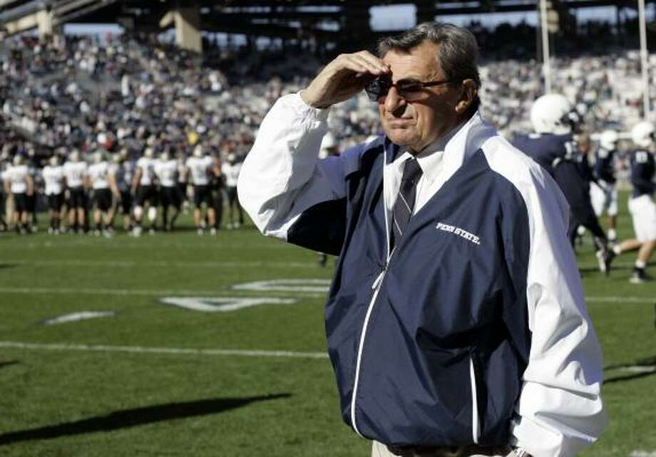 Against the Aggies, Joe Paterno will coach his 500th game. Photo: Carolyn Kaster, AP