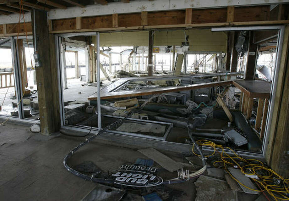Top Water Grill in San Leon is gutted. Photo: Kevin M. Cox, AP/The Galveston County Daily News
