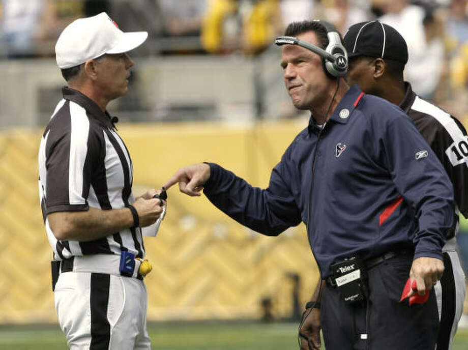 "Steve Campbell: Time comes to show Texans made of right stuff At Sports Soup, the blogger writes: ""Texans coach Gary Kubiak faces a mighty challenge to keep his team from giving in."" Photo: Brett Coomer, Chronicle"