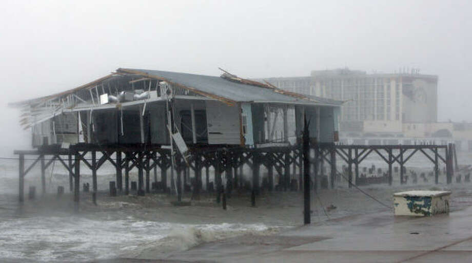 Hurricane Ike severely damaged buildings in Galveston. Photo: Matt Slocum, Associated Press