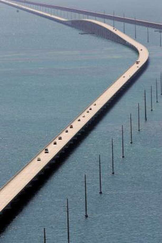 Traffic heads north out of Key West, Fla., on the Seven Mile Bridge Sept. 7. Photo: Alan Diaz, AP