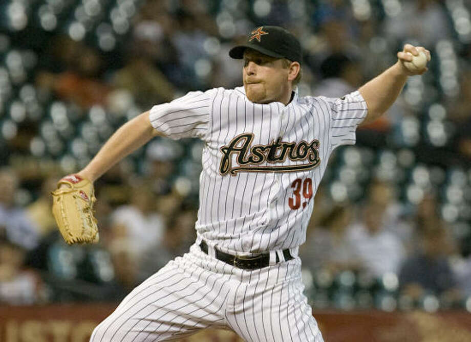 Astros starting pitcher Randy Wolf delivers a pitch in the first inning. Photo: Steve Campbell, Houston Chronicle