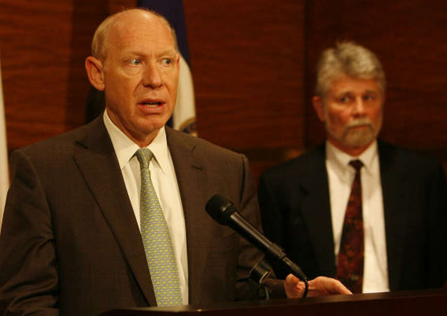 Mayor Bill White speaks during a press conference at City Hall in January on a University of Texas Medical Center study on the evidence of the need to reduce hazardous air pollutants. Photo: JAMES NIELSEN, HOUSTON CHRONICLE