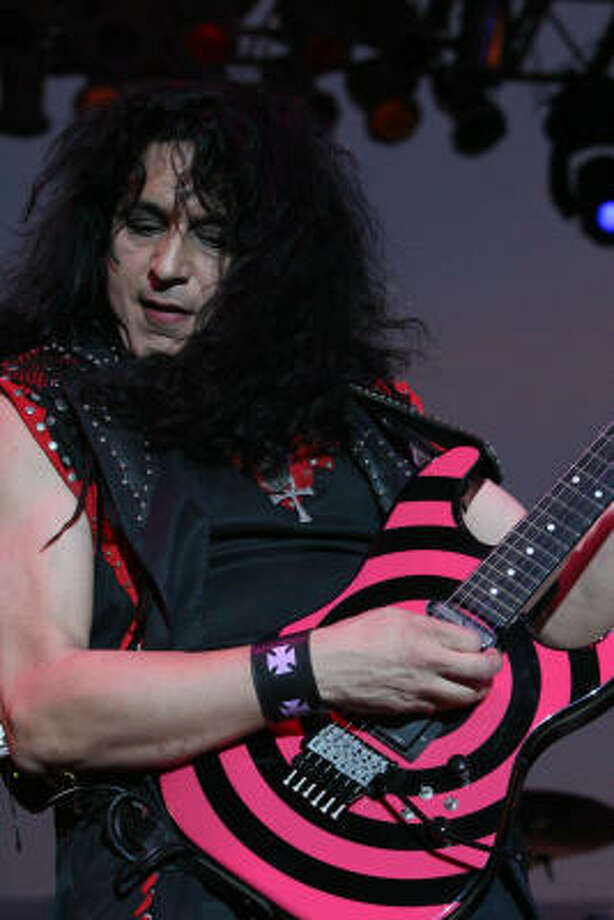 "Eddie ""Fingers"" Ojeda performs with Twisted Sister. Photo: Bill Olive, For The Chronicle"