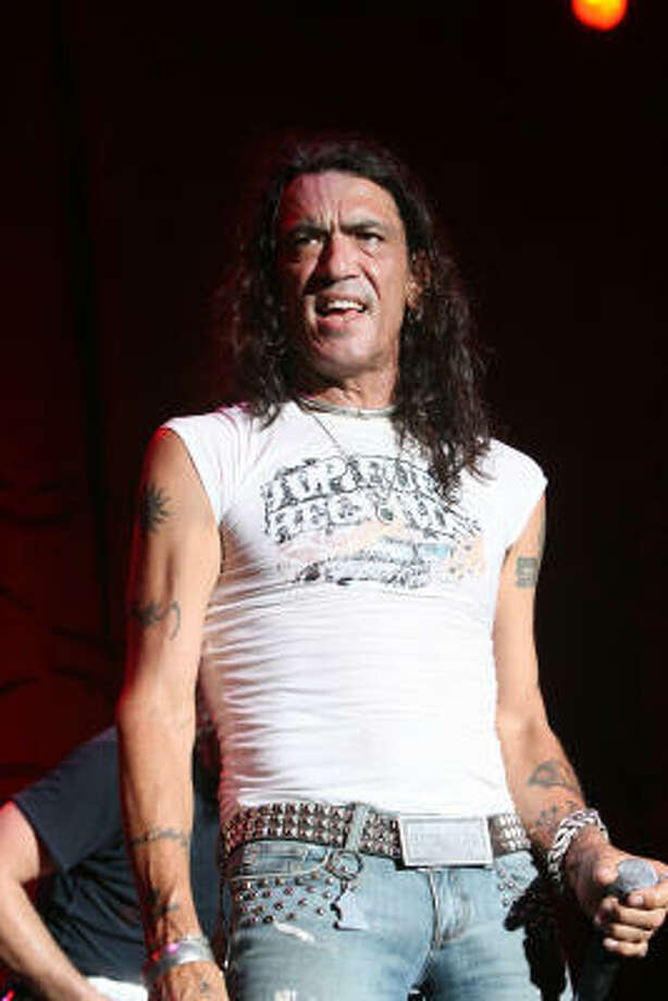 Stephen Pearcy of Ratt. Photo: Bill Olive, For The Chronicle