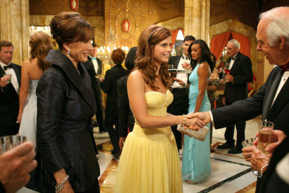 Privilegedis one of several prime-time shows awash in affluence. Photo: JAIMIE TRUEBLOOD, The CW