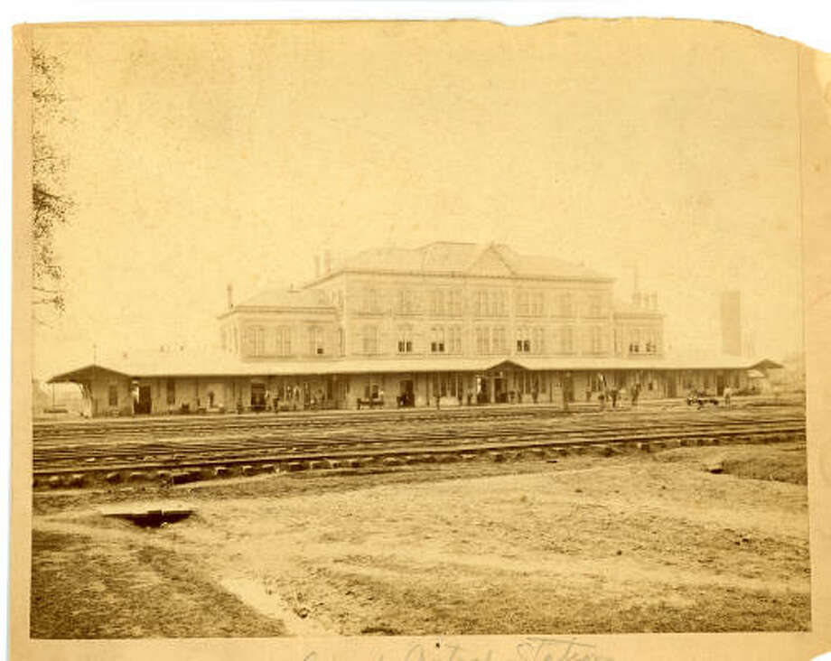 Grand Central Station, about 1908.   PHOTO PROPERTY OF TOM REVELL (BUT NOT BY HIM) Bayou City History photos Photo: J.J. PASTORIZA, UNKNOWN
