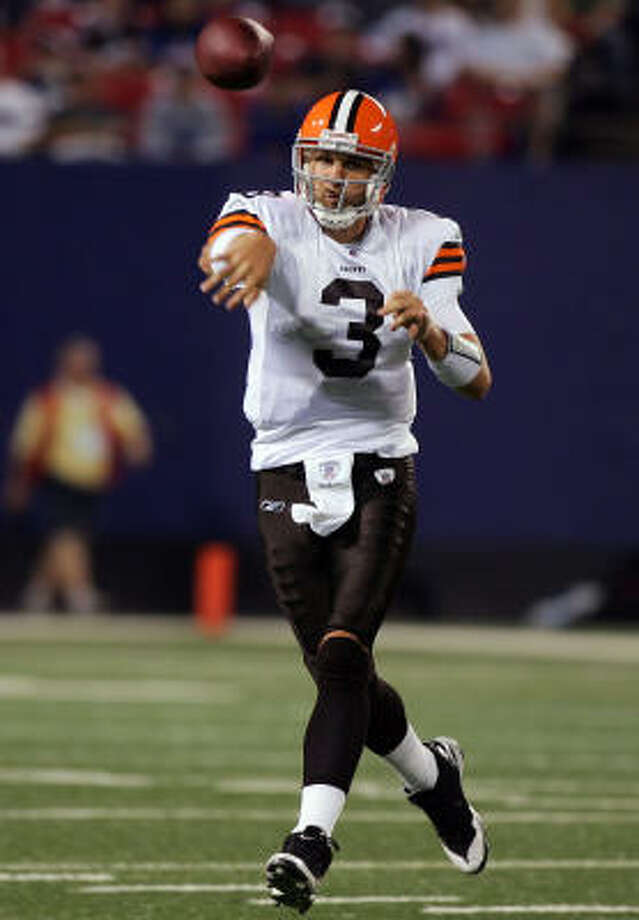 Cleveland Browns quarterback gets off a pass in Monday night's game against the New York Giants. Photo: Jim McIsaac, Getty Images