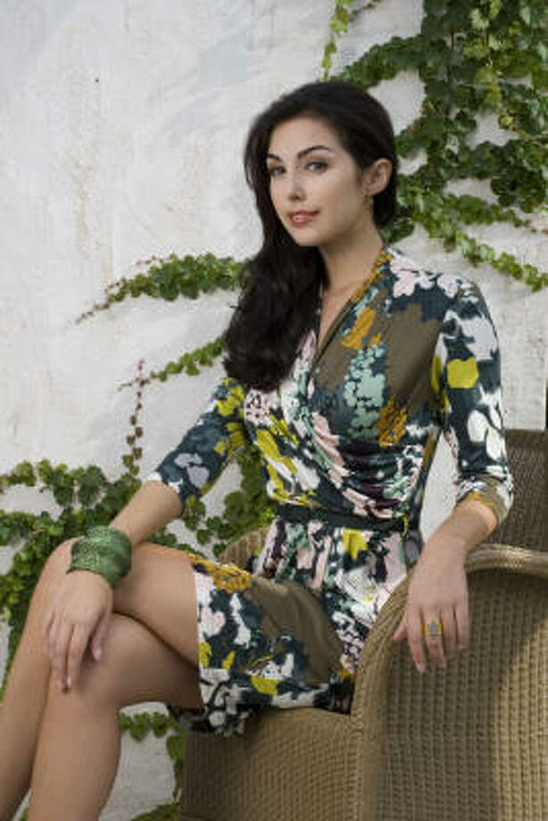 Magen Ellis of Page Parkes Models wears a Catherine Malandrino floral jersey dress. Photo: Karen Warren, Houston Chronicle