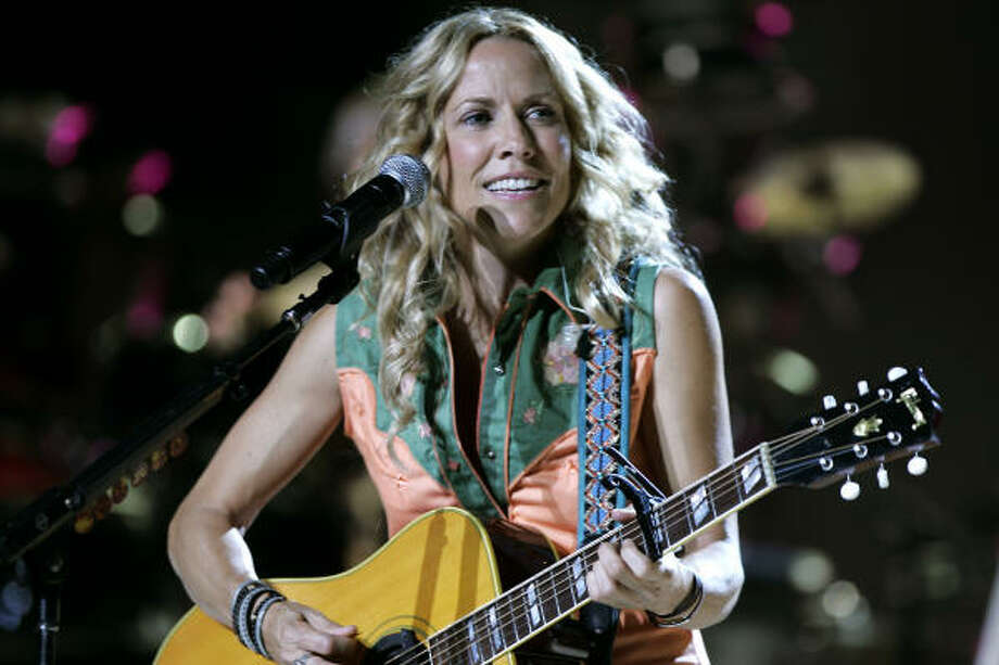 Sheryl Crow sings during her performance at the Mann Center for the Performing Arts, Saturday, August 2, 2008 in Philadelphia. Photo: Tom Mihalek, AP