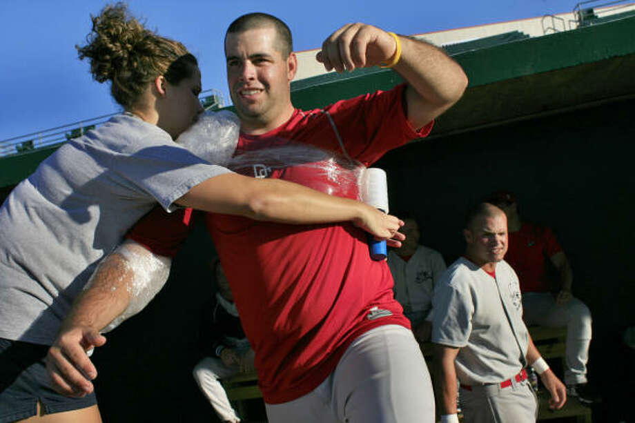 Alex Fernandez is iced down after pitching against the Corpus Christi Beach Dawgs July 29. Photo: Eric Kayne, Chronicle