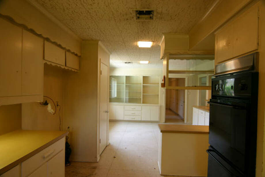 A kitchen in Tanglewood, before renovation. Photo: Crawford Renovation