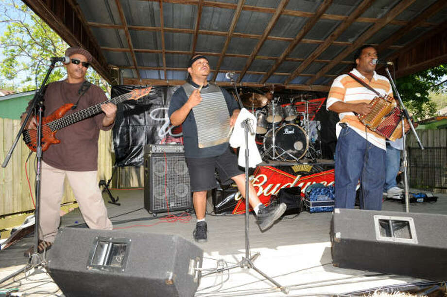 Fred Rusk and the Zydeco Hi-Steppers perform. Photo: Thomas Nguyen, For The Chronicle