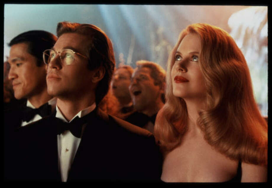 Val Kilmer played Bruce Wayne in 1995 with Nicole Kidman as his leading lady in 'Batman Forever.' Photo: Ralph Nelson, Warner Bros.
