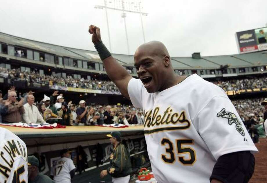 Frank Thomas is enjoying another playoff run a year after making one with the White Sox. Photo: Justin Sullivan, Getty Images
