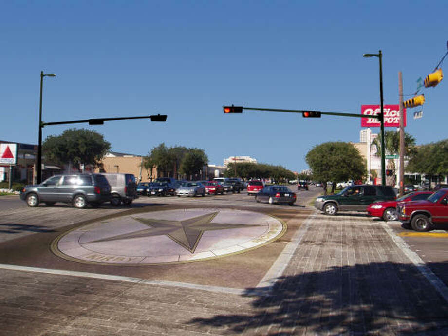 Texas-star inlays are planned for eight Kirby Drive intersections in the first phase of the Kirby Coalition's All-Stars initiative. Photo: Courtesy Of Kirby Coalition