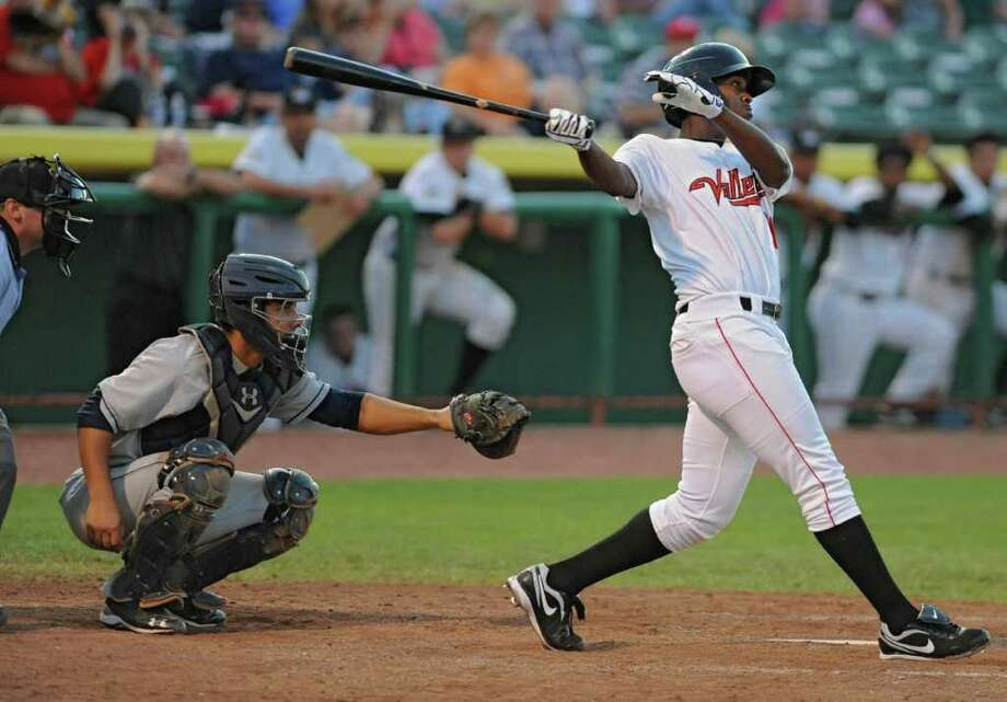 ValleyCats Chris Epps hits the game winning homerun during a baseball game against the Mahoning Valley Scrappers at the Joe Bruno Stadium in Troy, N.Y. on Wednesday, Aug. 10, 2011. (Lori Van Buren / Times Union) Photo: Lori Van Buren