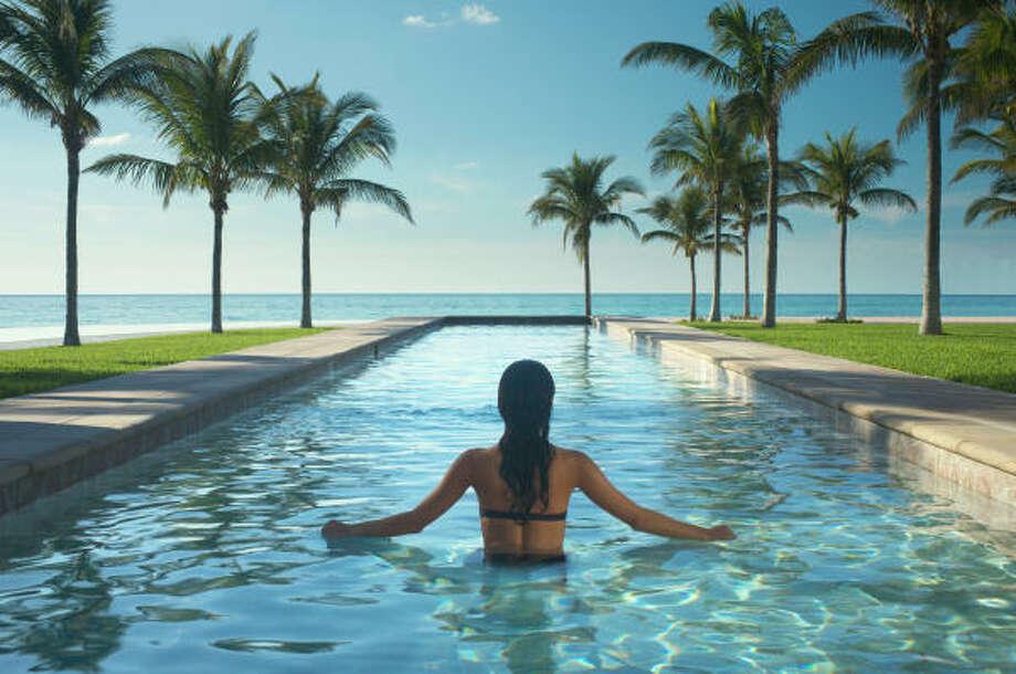 Enjoying riveting views as you swim in a lap pool at the Westin and Sherton  Grand Bahama Island Our Lucaya Resort. Photo: WESTIN HOTELS & RESORT