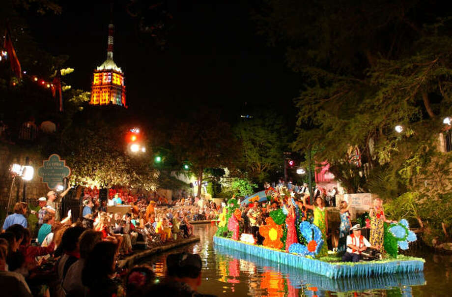 It doesn't have to be Fiesta for you to enjoy the River Walk in San Antonio. Photo: BILLY CALZADA, San Antonio Express-News