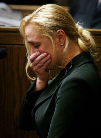 2005: Country singer Mindy McCready attempts to regain her composure as she testifies in Davidson County General Sessions during a hearing in a drunken driving case. Photo: LARRY MCCORMACK, AP