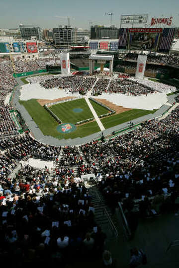 45,000 Catholics attend Mass celebrated by Pope Benedict XVI at the new Nationals Park  in Washingto