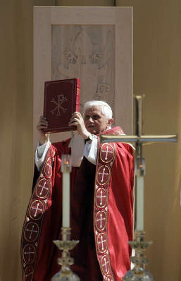 Pope Benedict XVI celebrates Mass on Thursday at Washington Nationals Park in Washington. Photo: Susan Walsh, AP