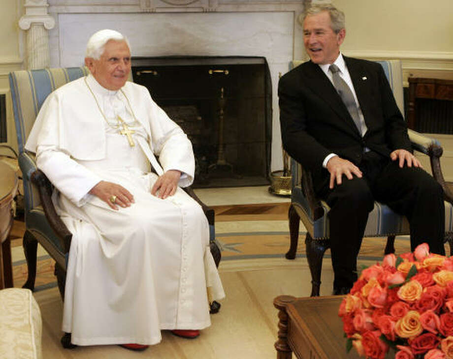President Bush meets with Pope Benedict XVI on Wednesday in the Oval Office at the White House. Photo: Pier Paolo Cito, AP