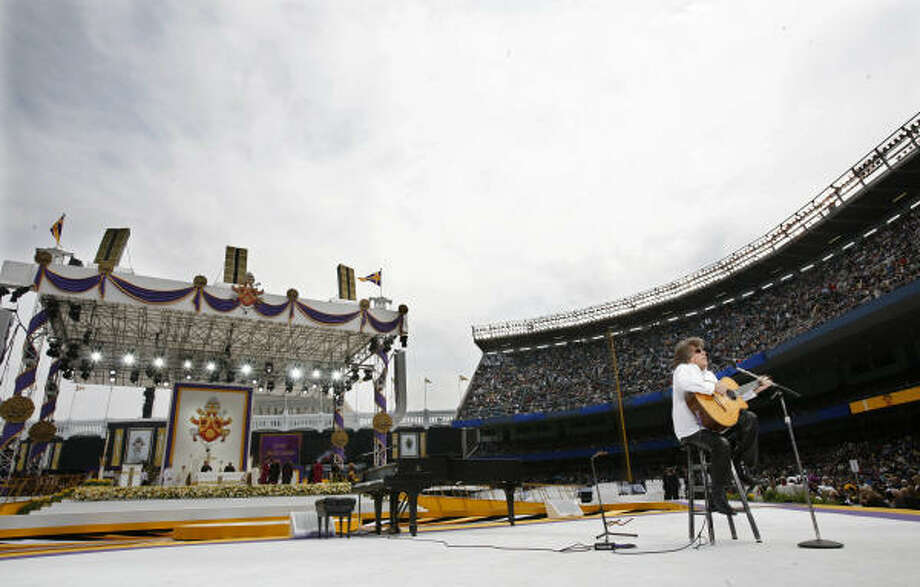 Musician Jose Feliciano performs before the Mass celebrated by Pope Benedict XVI at Yankee Stadium in New York. Photo: MIKE SEGAR, AFP/Getty Images