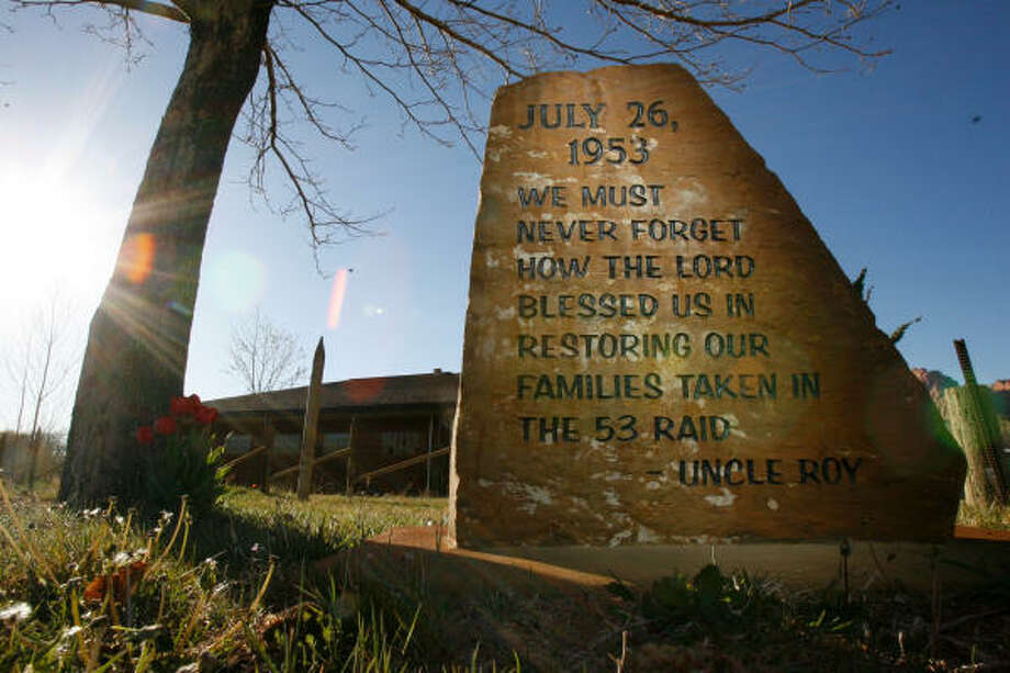 A message left on a marker reminds church members about the 1953 raid on Short Creek, which is now Colorado City, Ariz. and Hildale, Utah. Photo: Johnny Hanson, Chronicle