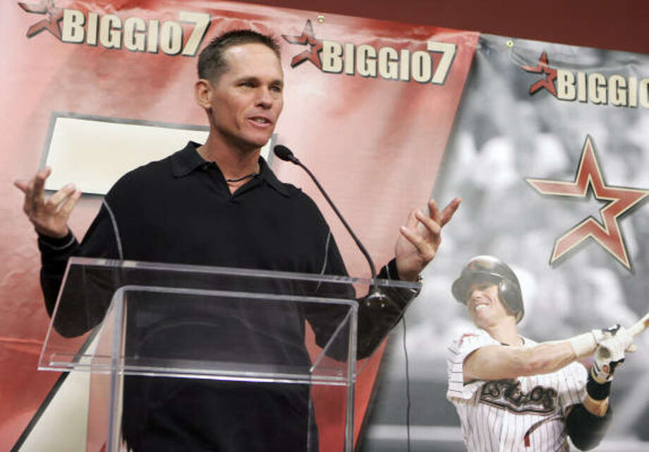 Craig Biggio needs just 70 hits to reach the 3,000 milestone. He would be the first player in Astros history to reach the mark. Photo: PAT SULLIVAN, AP