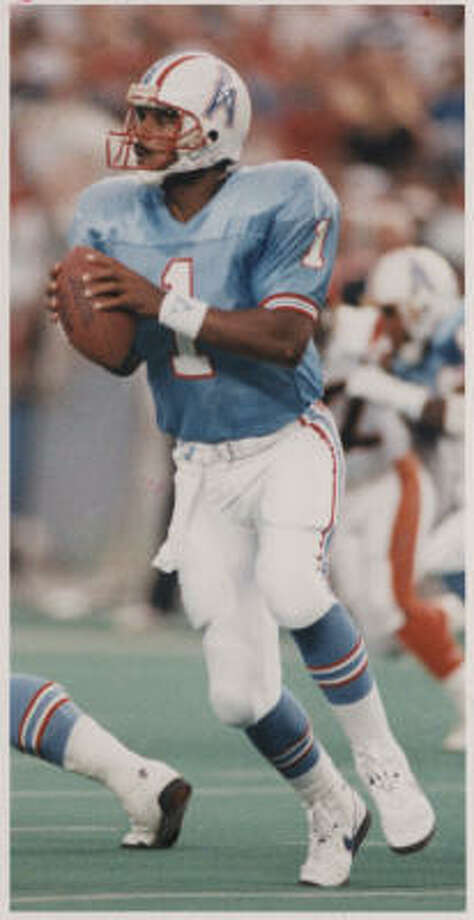 Warren Moon helped lead the Oilers to seven straight playoff appearances from 1987-93. Photo: STEVE CAMPBELL, CHRONICLE