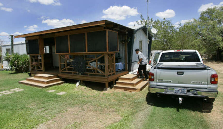 When Juan Rodriguez collected an $8.9 million lump sum from the state lottery in February 2000, he envisioned a leisurely life in a nice house. Six years later, he lives in the same mobile home in Jourdanton, where he discourages visitors. Photo: WILLIAM LUTHER, SAN ANTONIO EXPRESS-NEWS