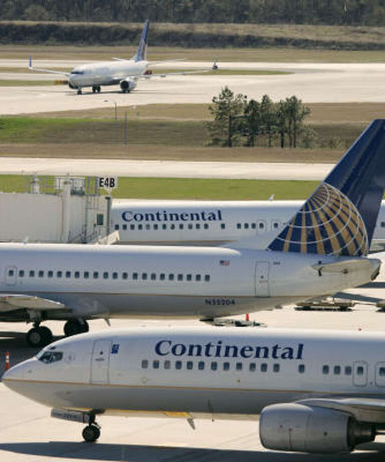 A US Airways takeover of Delta Air Lines could force Houston-based Continental Airlines to act to protect itself in a changed industry, said Larry Kellner, Continental chief executive officer. Photo: DAVID J. PHILLIP, AP File