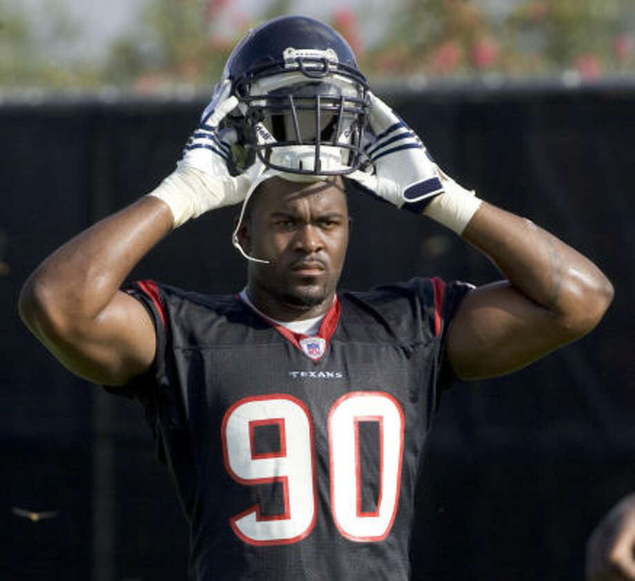 Mario Williams lets off some steam during one of the Texans' blistering training camp workouts. Photo: BRETT COOMER, CHRONICLE