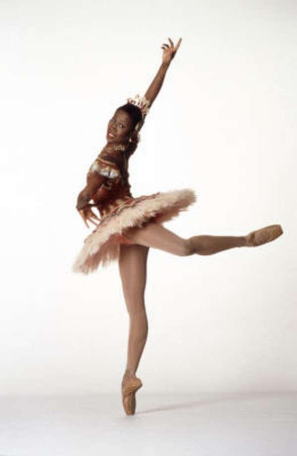 Houston Ballet's Lauren Anderson adds to the beauty, excitement of Don Quixote. Photo: Drew Donovan