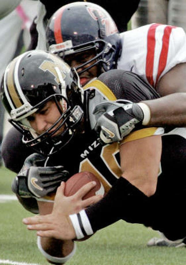 Chase Daniel scores against Mississippi. Photo: J. FINLEY, Associated Press